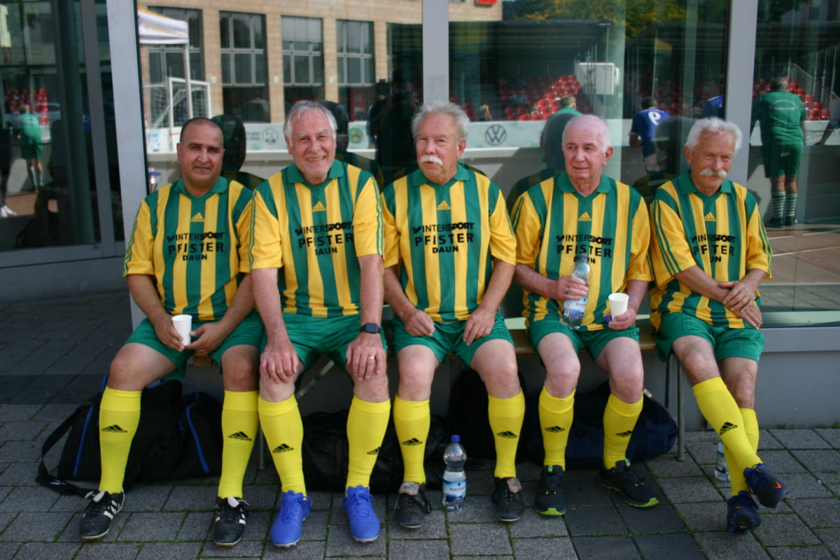 AH-TuS 05 Daun mit ältestem Teilnehmer beim DFB Walking-Football Turnier in Trier